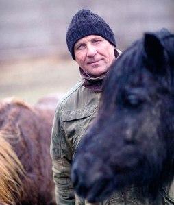 2 med_einn_hest