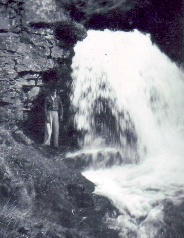 Guðjón í Sælugili. Á svipuðum slóðum brast undan honum snjóhengja á Þorláksmessu 1955 og hann lét lífið.