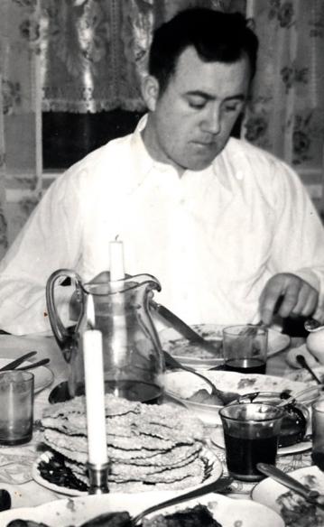 Halldór bóndi að jólasnæðingi, líklega fyrir 1960.