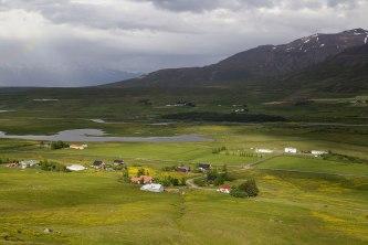 Útsýni frá fótalaug Bakkabræðra. Hvar annars staðar í veröldinni skyldi vera baðstaður með slíkt fyrir augum?